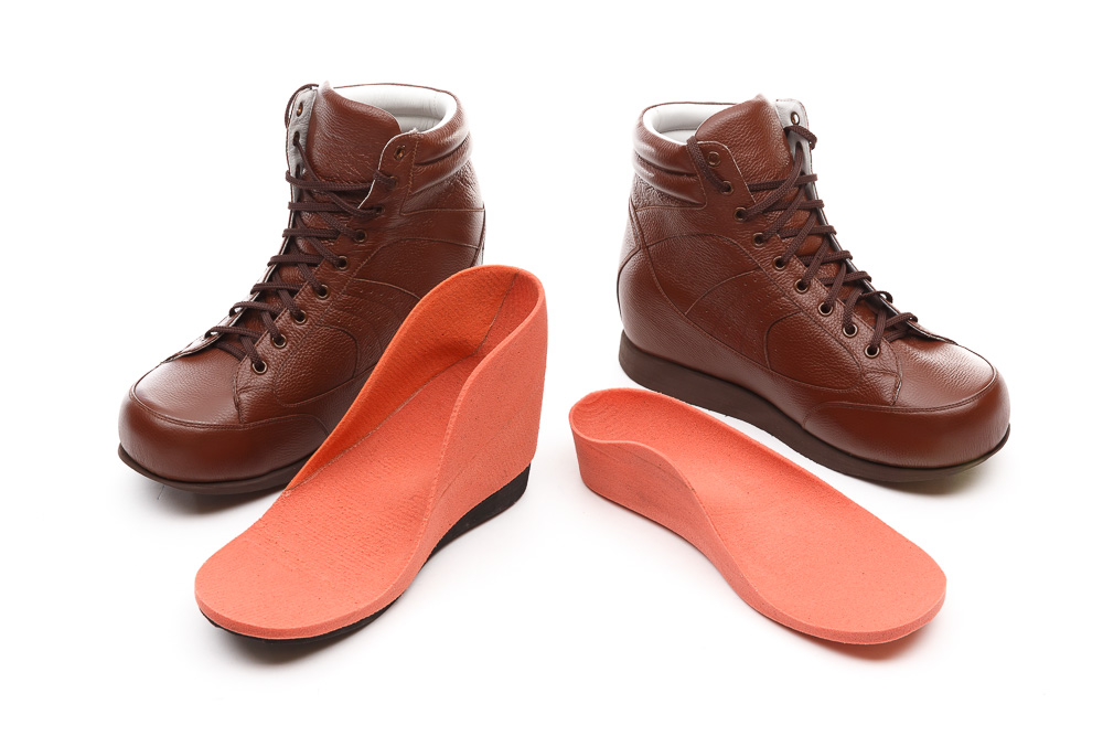 footwear customization Custom since before that was a thing vans customs have been a tradition since 1966, when paul van doren made shoes with any fabric people brought by the shop.